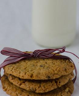 Frollini con gocce di cioccolato ( chocolate chip cookies )