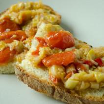 Sponsali con pomodorini e peperoncino piccante ( sfricone Biscegliese )